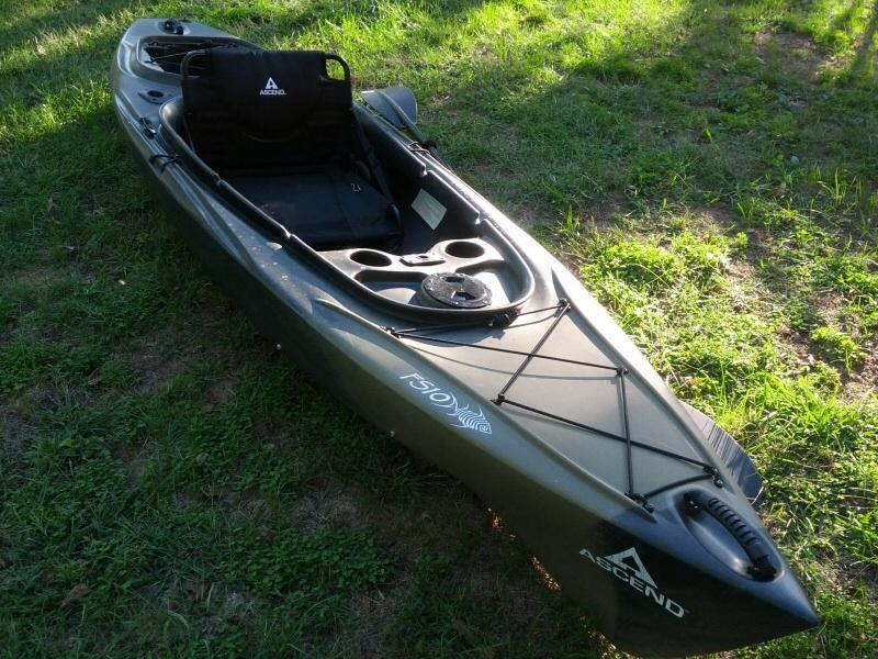 For sale ascend fs10 sit in kayak bass pro shops price for Bass pro fishing kayak