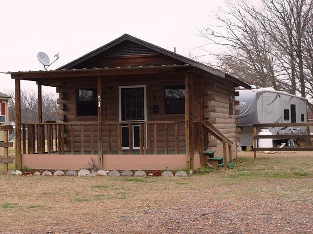 Cabin for rent secret haven non fishing classifieds for Fishing cabins in texas