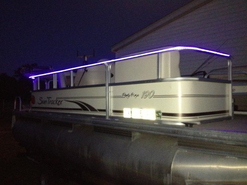 New lights on pontoon catfishing texas fishing forum for Fishing boat lights