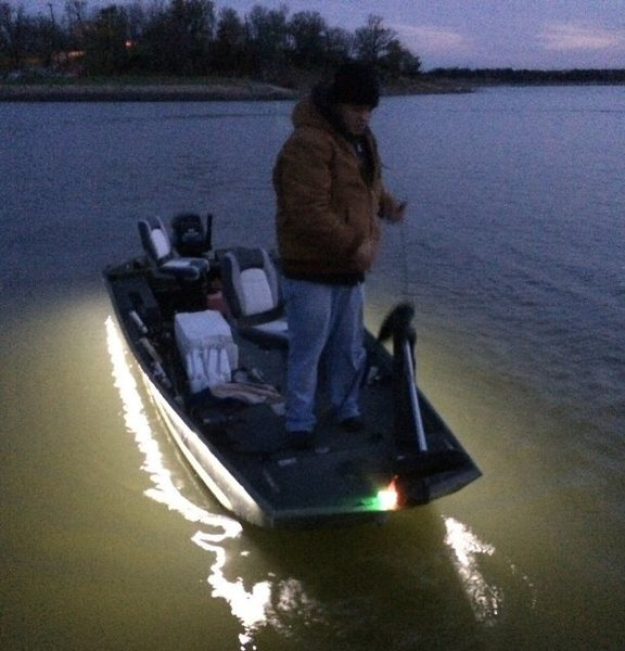 Led lights down side of boat crappie fishing texas for Best light for night fishing