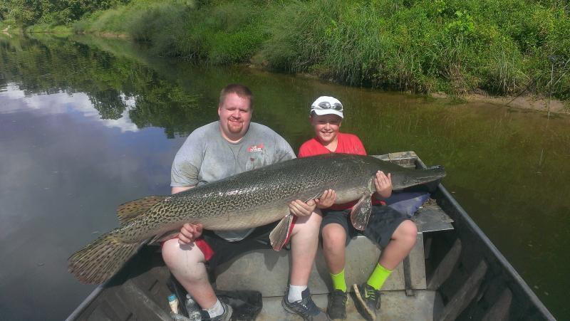 Best fishing day ever 176 alligator gar rough fish for Best day to fish
