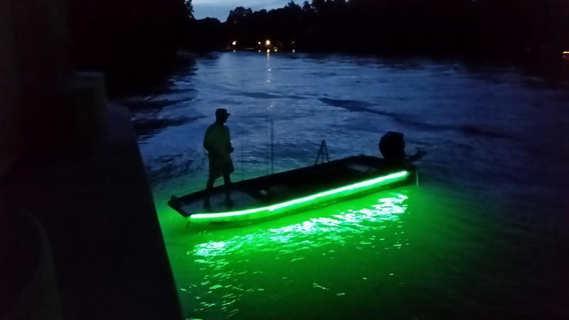 Show me your crappie lights crappie fishing texas for Crappie fishing at night