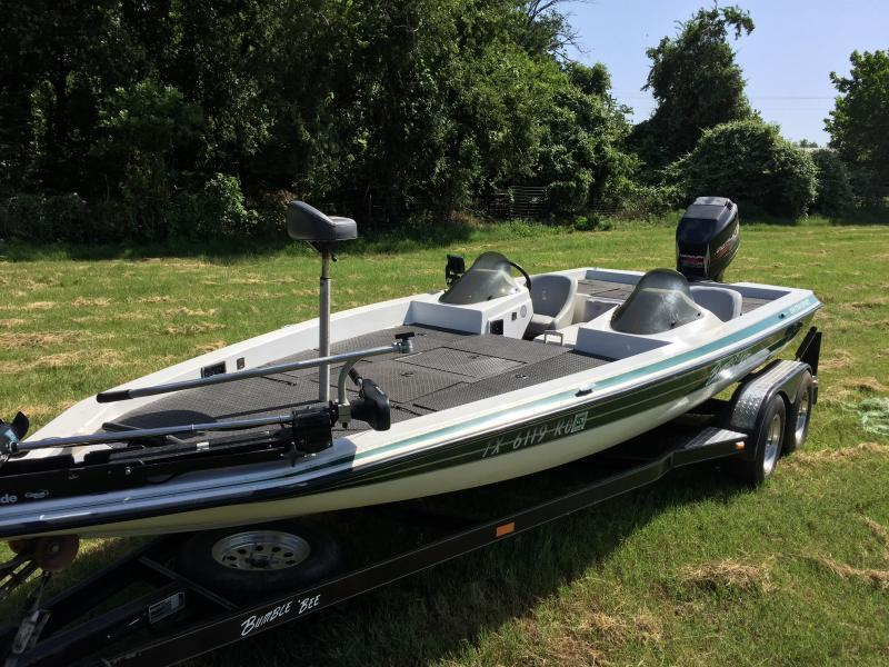 97 bumble bee pro sport 200 with 200 hp mercury boats 4 for Texas fishing forum boats for sale