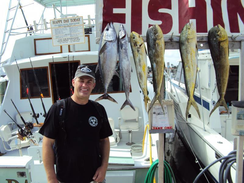 Deep sea sport fishing happy day today saltwater reports for Deep sea fishing texas