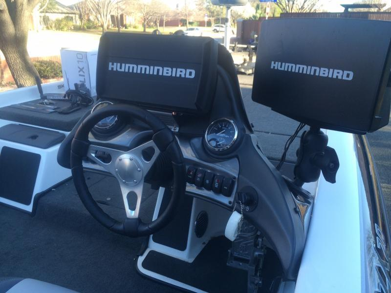 "for sale: humminbird helix 5"" 7"" 9"" 10"" and 12"" series, onix 8, Fish Finder"