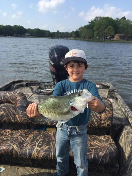Kiddo with a whopper crappie fishing texas fishing forum for Crappie fishing texas