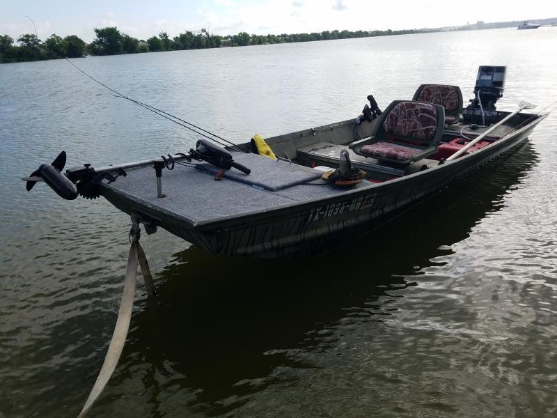 Wts alumcraft flat bottom boat w 25 yamaha duck fishing for Flat bottom fishing boats