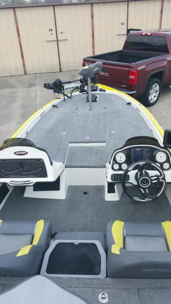 2009 legend alpha 211 boats 4 sale texas fishing forum for Spot lock trolling motors