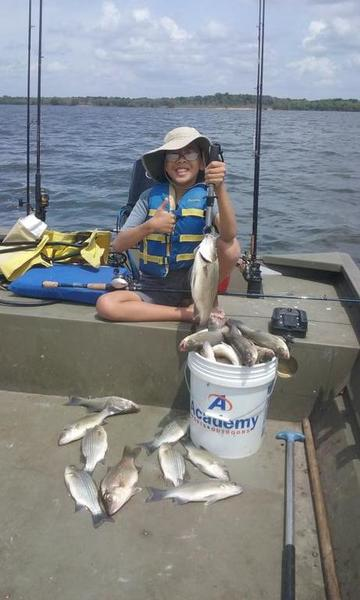 A lake somerville report 4 16 whites hybrids striper for Lake livingston fishing report