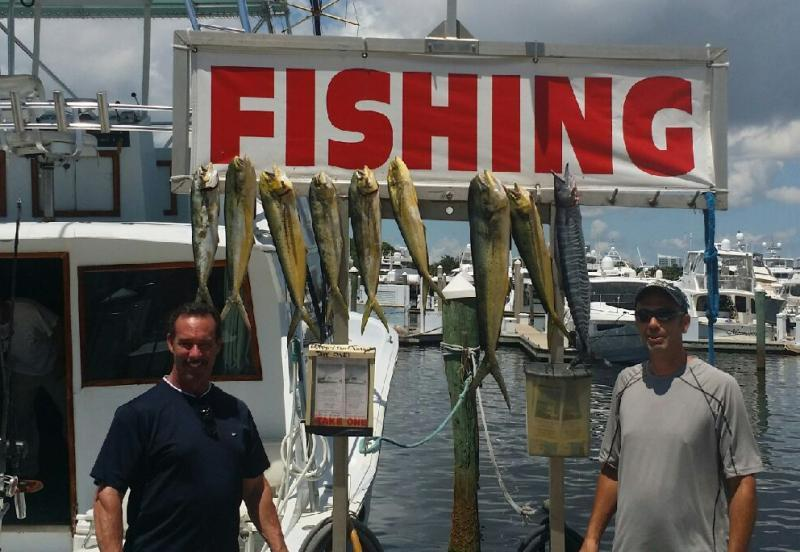 Fishing topshotfishing charters happy day today mahi for Is today a good fishing day