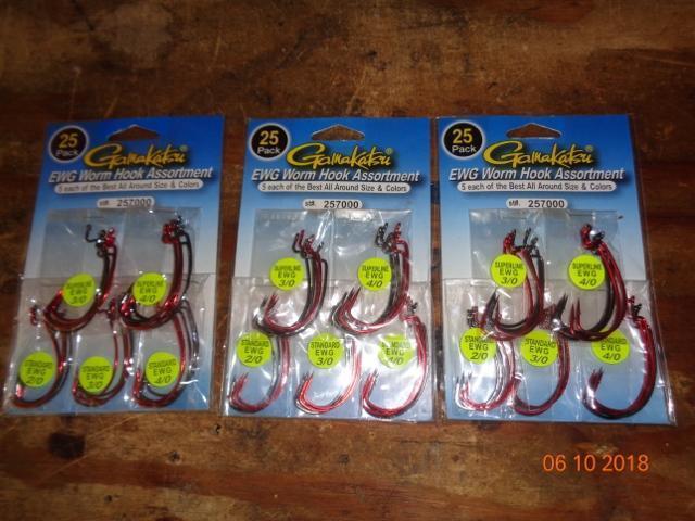 New Gamakatsu 3//0 SuperLine EWG Value Pack 25 Fish Hooks